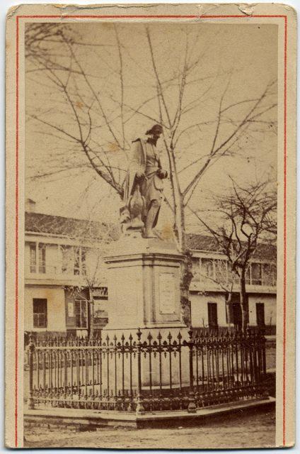 Estatua de Abate Molina