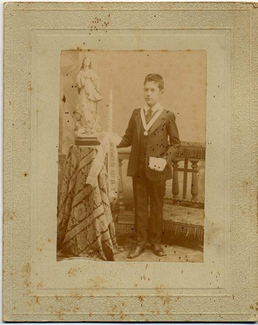 Retrato de Heriberto Terra V. el día de su comunión.