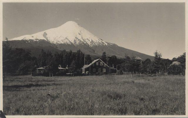 Vista al Volcán Osorno desde Ensenada.