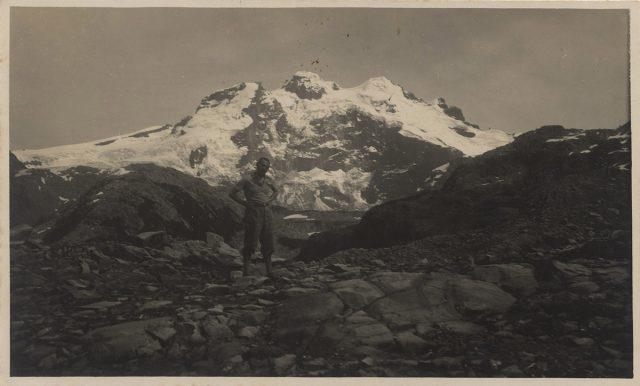 Hombre en el Cerro Tronador.