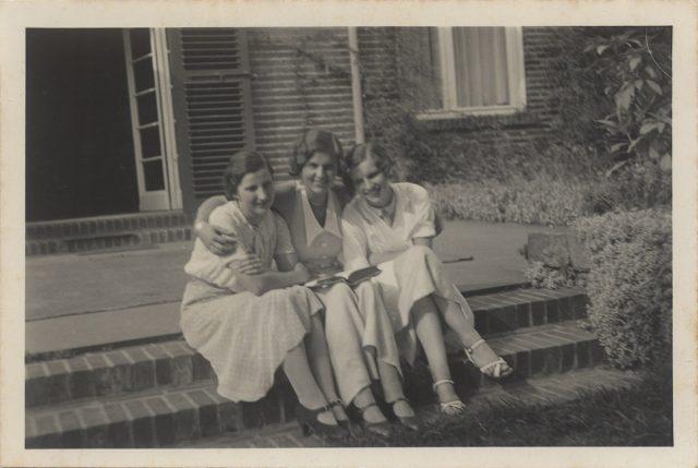 Retrato de tres mujeres