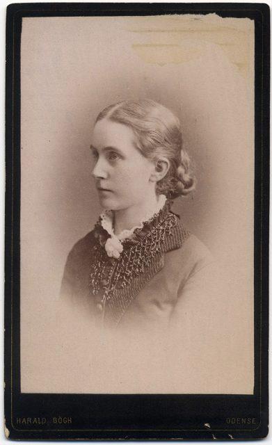 Retrato de Señorita Krag