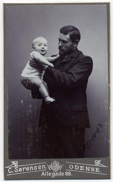 Retrato de Andreas Krag y su hijo Bodil.