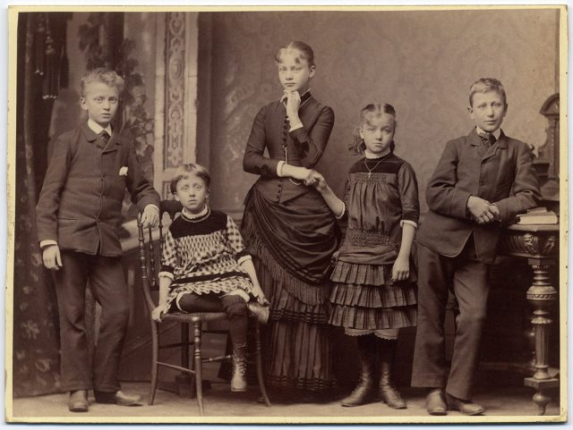 Familia Bredau Krag