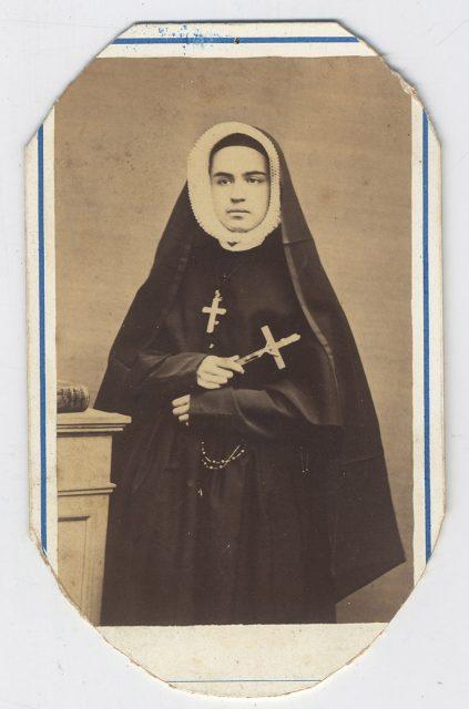 R.M. María del Carmen Larraín Urriola