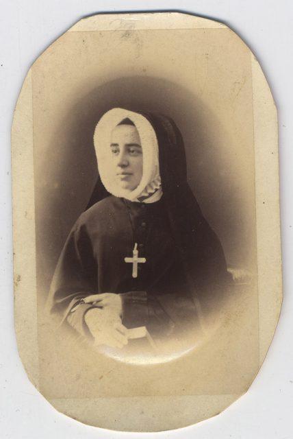 R.M. María Carmela Larraín Urriola
