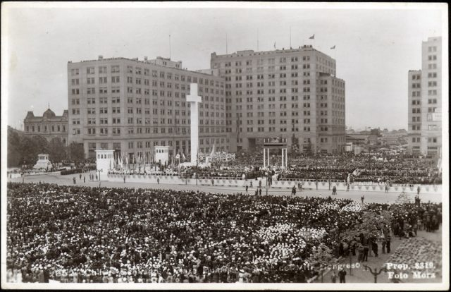 Chile – Santiago. Plaza Bulnes, VIII Congreso