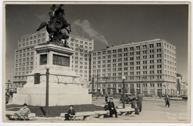 Chile – Santiago, Plaza General Bulnes.