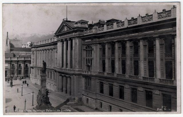 Chile, Santiago Palacio de Justicia.