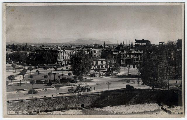 Chile, Santiago – Plaza Italia.