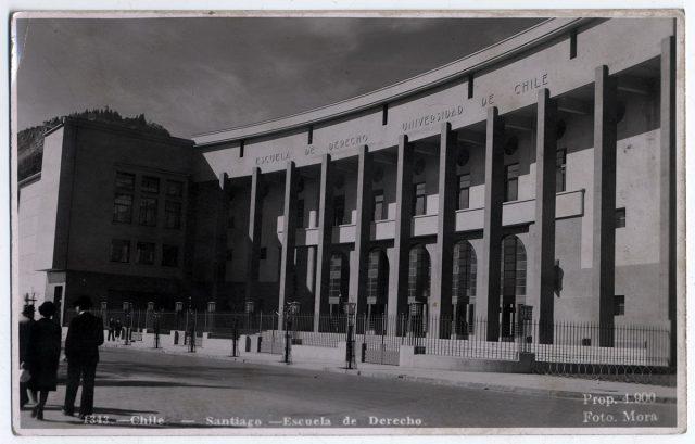 Chile – Santiago – Escuela de Derecho.