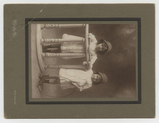 Retrato de Graciela y Cesaria Toloza Cubillos.