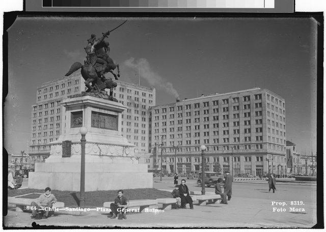 Chile – Santiago – Plaza General Bulnes.