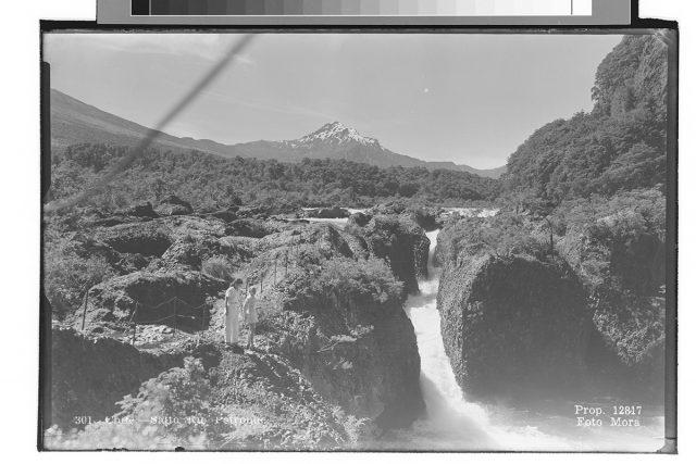 Chile – Salto Rio Petrohué.