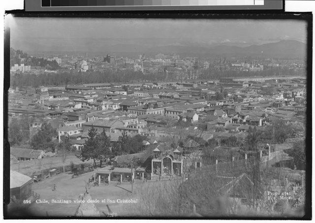Chile, Santiago visto desde el San Cristóbal.
